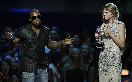 Kanye Taylor VMA